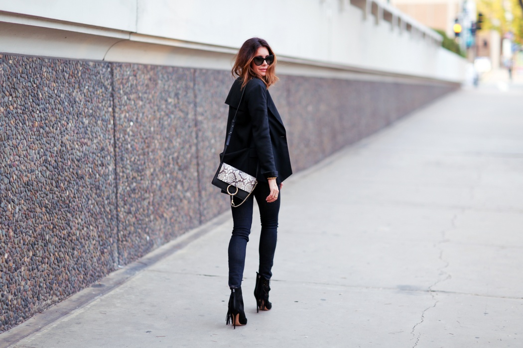 chloe faye and blazer and jeans look