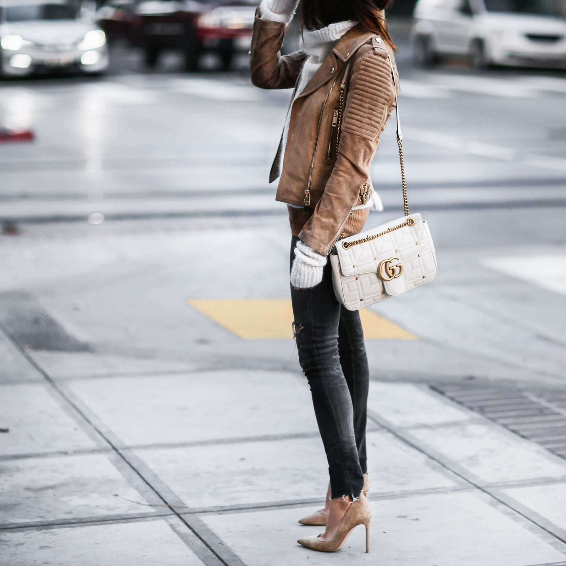 tan suede jacket, suede pumps, gucci bag