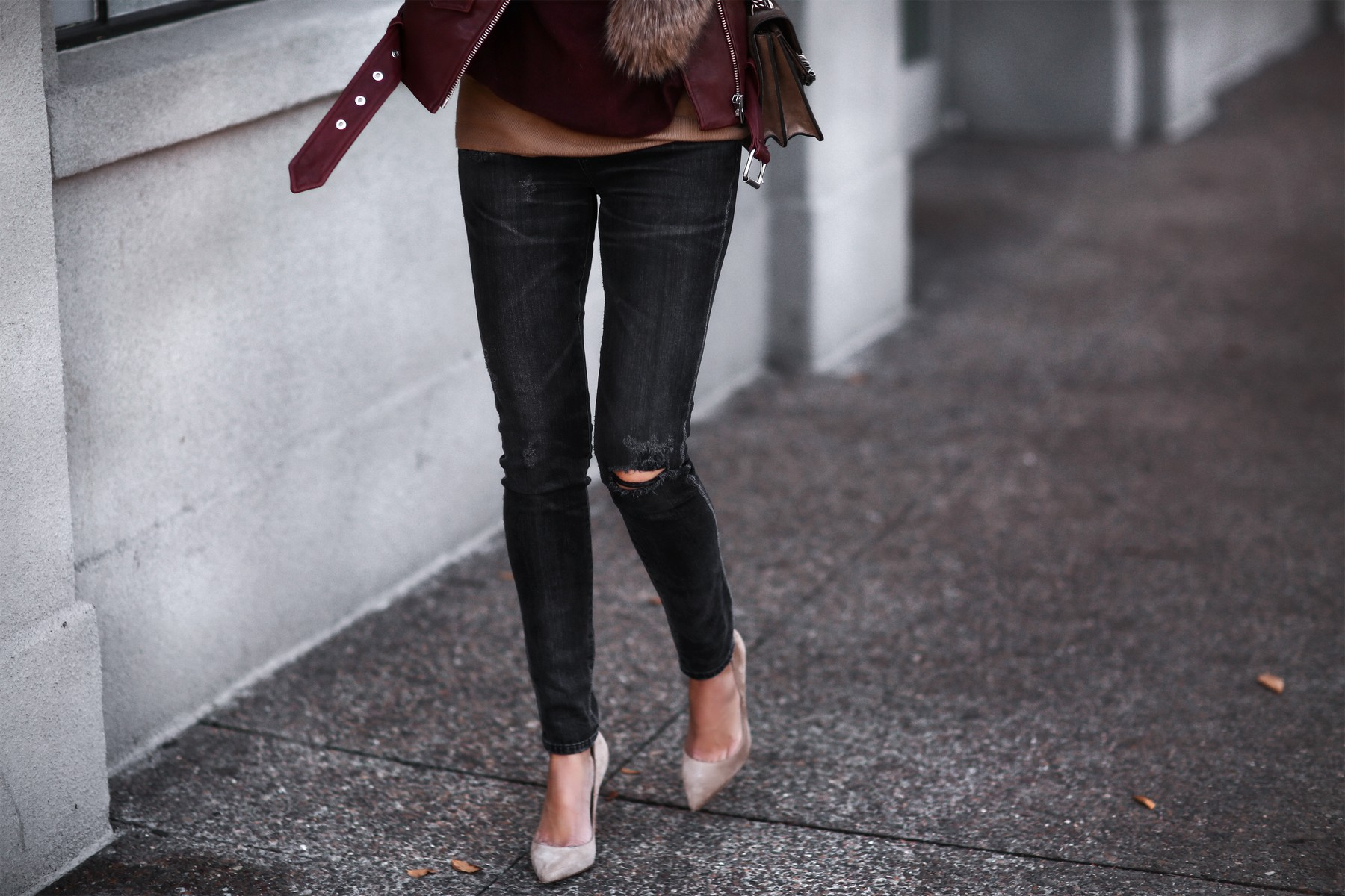 ripped skinny jeans, tan suede pumps