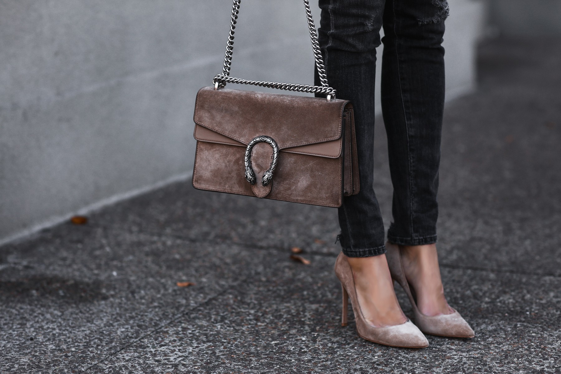 gucci bag, tan suede pumps