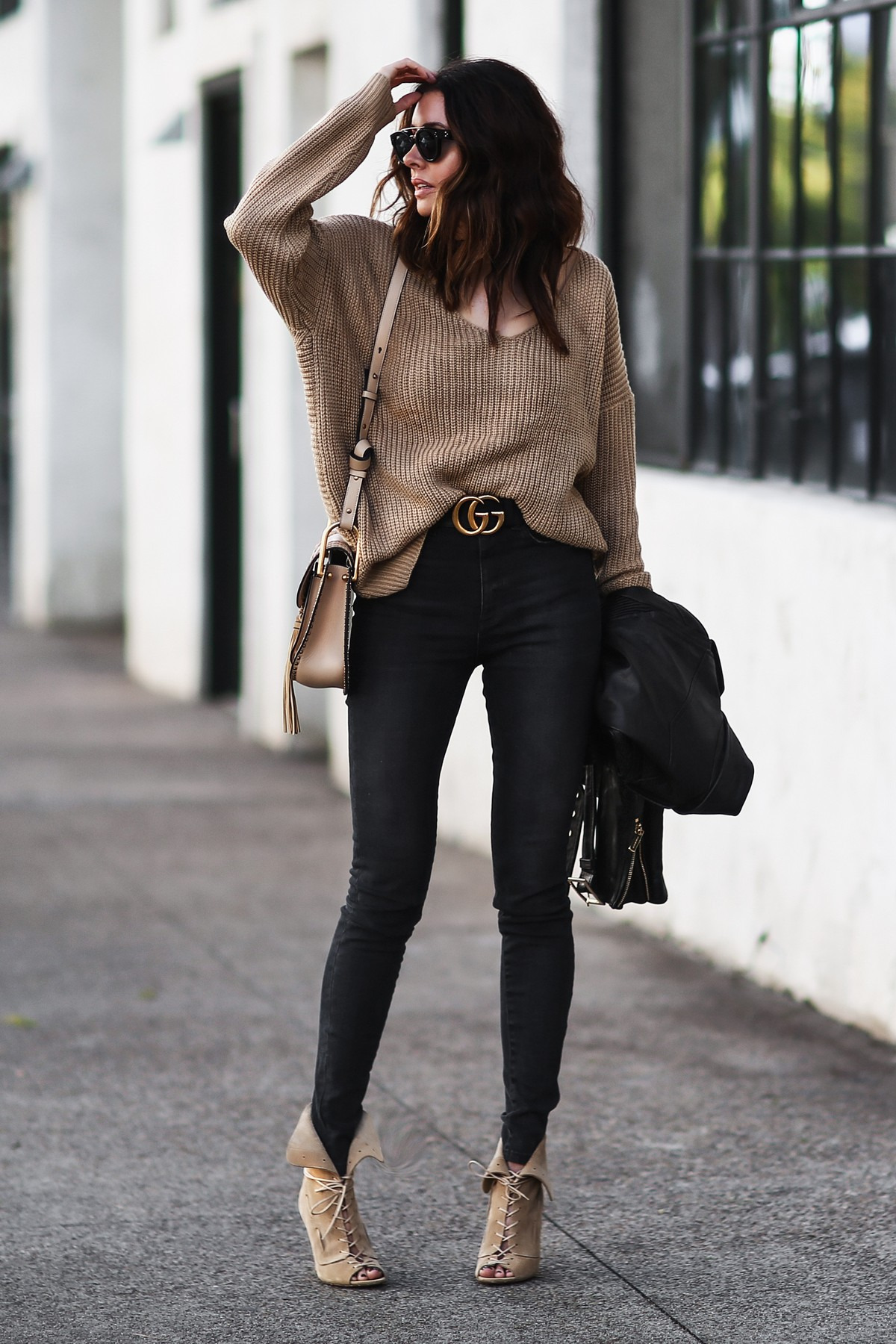 camel slouchy sweater, gucci belt, lace up heels