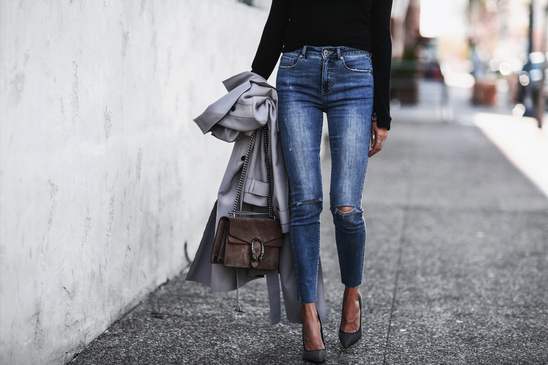 gray trench coat, high waisted skinny jeans, studded pumps, gucci bag