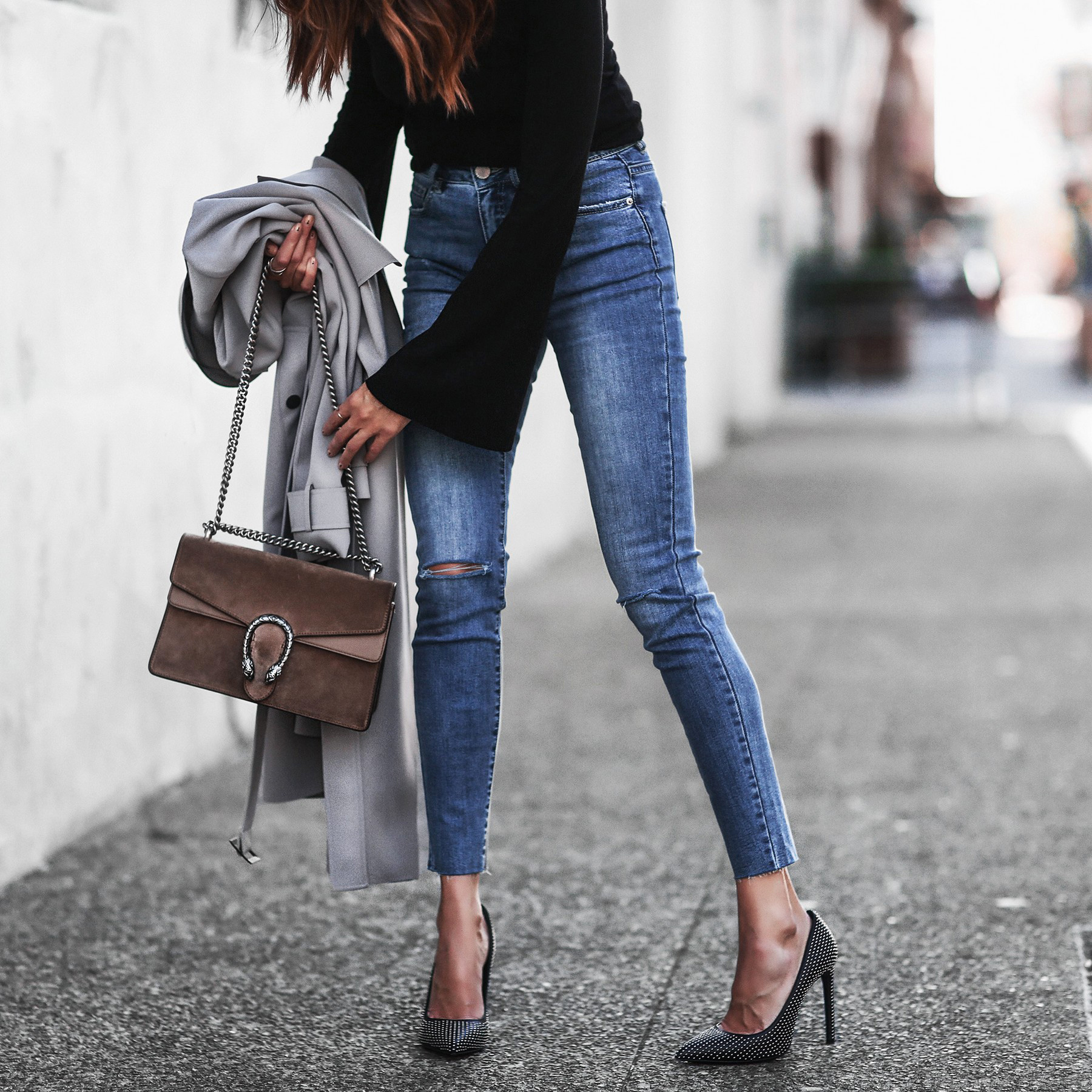 gray trench coat, high waisted skinny jeans, studded pumps, gucci bag, studded pumps