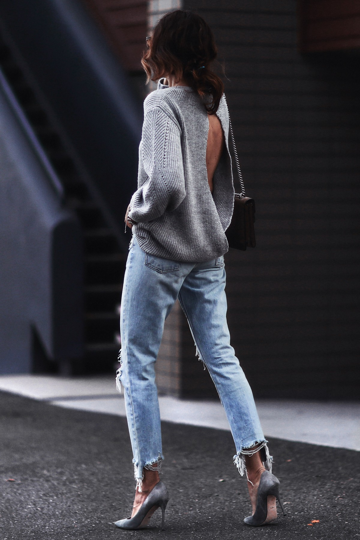 gray open back sweater, boyfriend ripped jeans, gray suede pumps