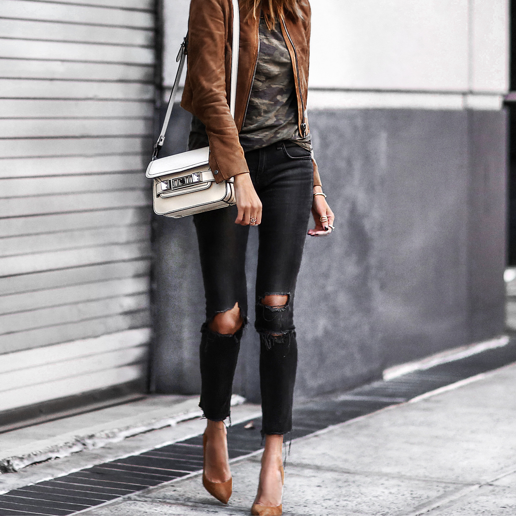 camo tee, camel suede jacket, ripped skinny jeans, camel suede pumps