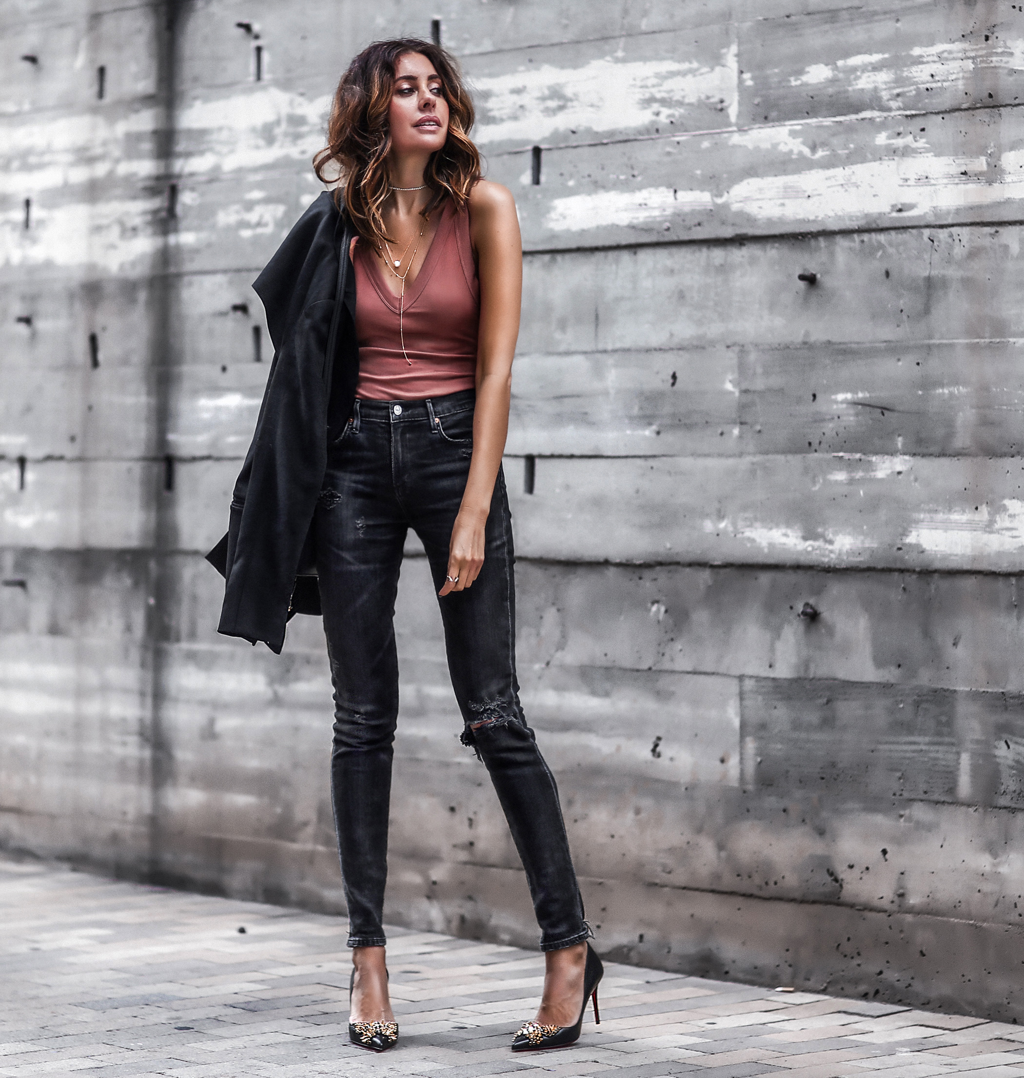 black high waisted skinny jeans, fitted cami, layered necklaces, studded pumps, black blazer